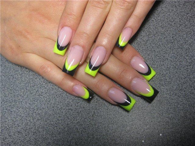 Нарощенные ногти вида френч